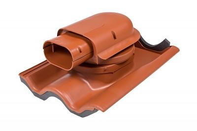 Solární průchodový prvek pro betonovou tašku